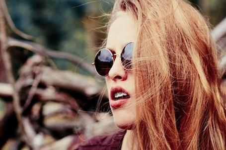 Фото Девушка в очках с приоткрытым ртом (© Black Tide), добавлено: 14.06.2013 23:26