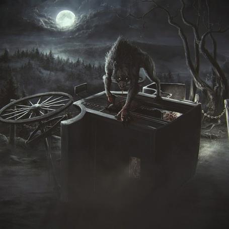 Фото Оборотень перевернул карету, на фоне леса и луны в небе