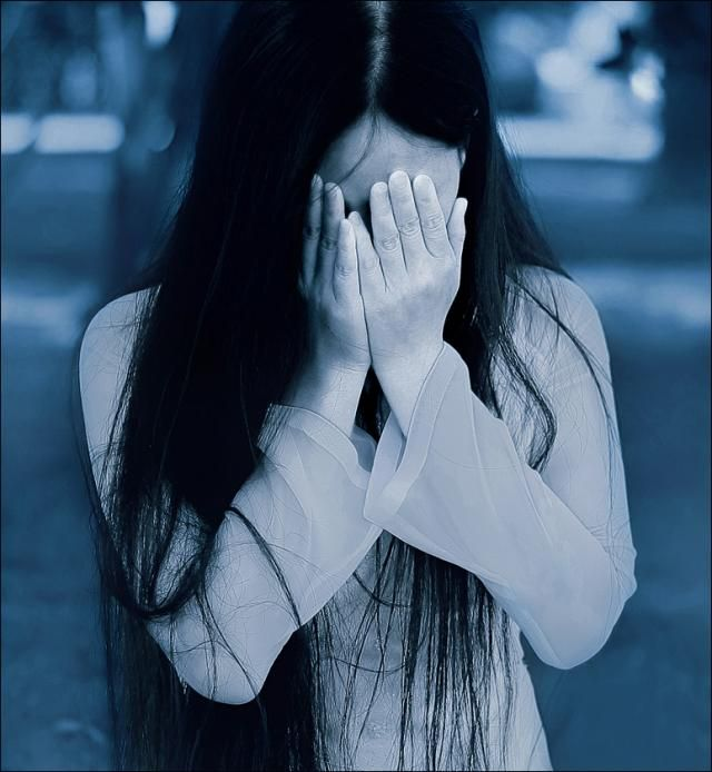 Картинки девушка плачет без лица