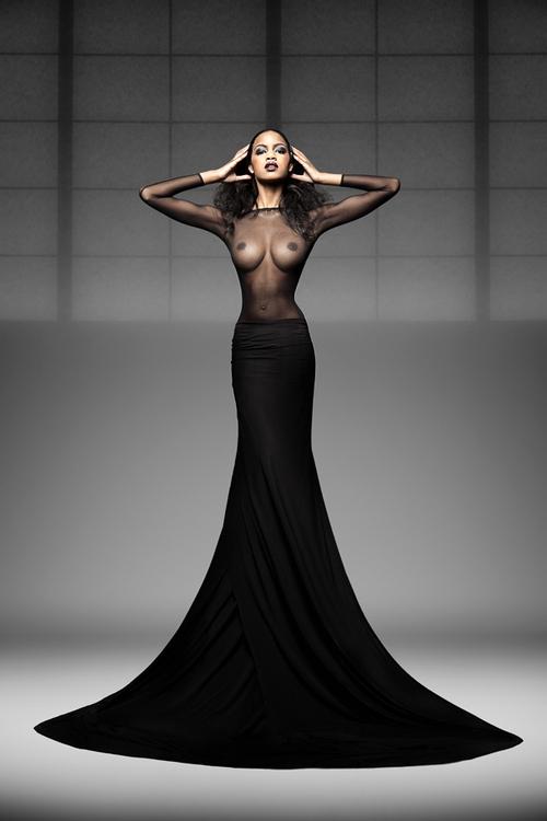 Порно фото черное платье