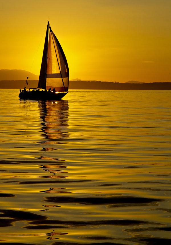 плывет моя лодка без паруса плывут