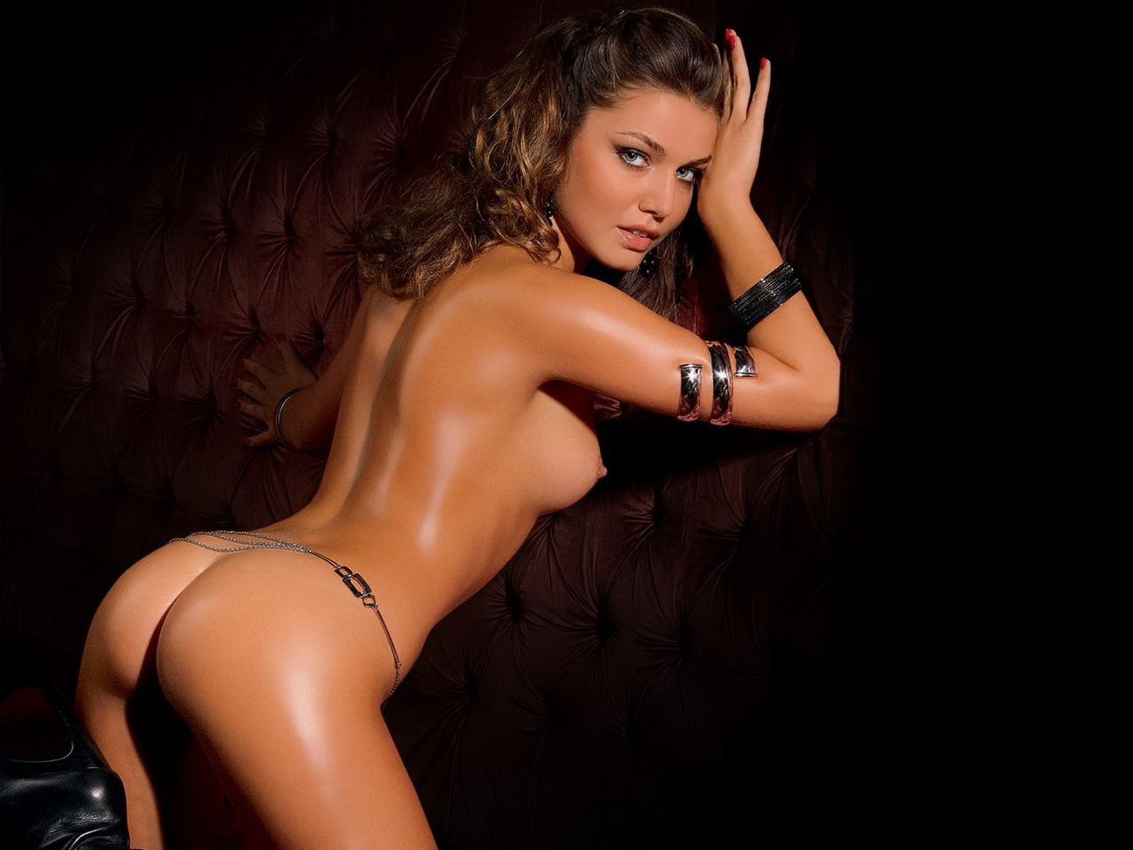 Прелестная голая девушка 17 фотография