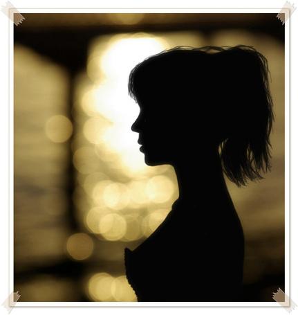 Обнаженные девушки в темноте фото силуэт, приятные позы для девушки