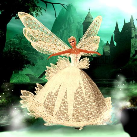 Фото Девушка в белом платье с крыльями, работа Fellini Couture's Muse