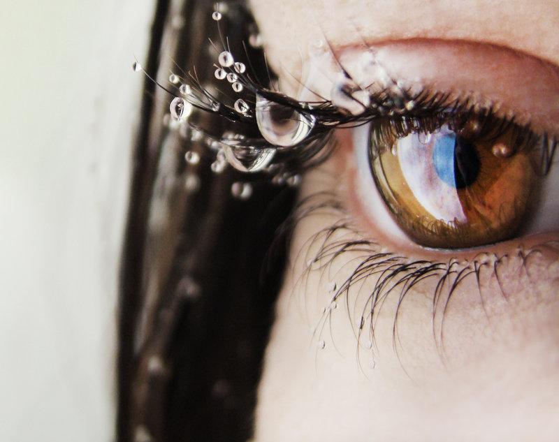 слезы на ресницах фото или картинка разновидностью кварца