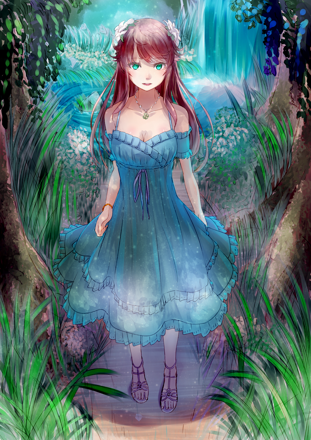 Фото Девушка в голубом платье стоит в лесу