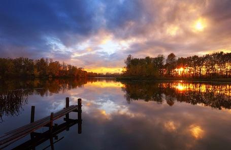Фото Мостик на озере и восход солнца, работа Sergey Trofimov