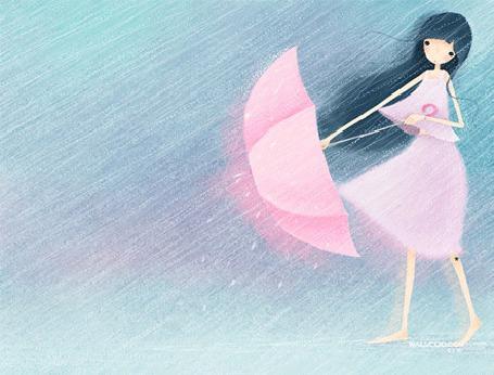 Фото Девушка с черными, длинными волосами, пытается удержать в руках от сильных порывов ветра розовый зонтик, находясь под проливным дождем