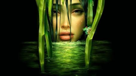 Фото Лицо красивой девушки с вытекающими из глаз слезинками, на фоне воды с зеленым отливом, растущих узких листьев осоки и сидящем на одном из них зеленом лягушонке с красными глазами
