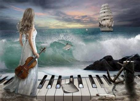 Фото Девушка с скрипкой в руках стоит на клавишах, изображающих причал и смотрит на корабль