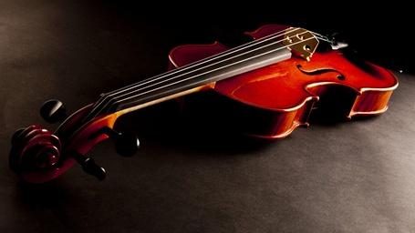 Фото Скрипка, лежащая в полумраке (© GRAF), добавлено: 24.09.2013 18:08