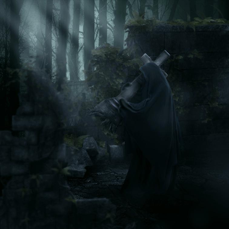 Девушка в черном в лесу фото