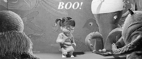 Фото Девочка Бу пугает монстров, момент из мультика Monsters, Inc. / Корпорация монстров (Boo! / Буу!)