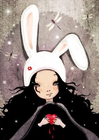 Фото Девочка с вьющимися черными волосами, в белой шапочке с кроличьими ушками, с красным сердечком в руках, с которого капает кровь, смотрит на летающих над ней стрекоз, art by Anne Cresci
