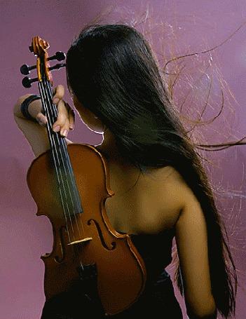 Фото Девушка держит скрипку за спиной (© Strong), добавлено: 26.10.2013 00:21