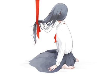 Фото Сидящая девушка в школьной форме с подвешенными волосами красной лентой