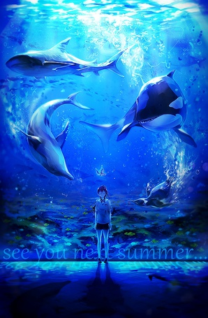 Фото Темноволосая девушка стоит спиной к большому аквариуму, в котором плавают касатка, акула, дельфин и пигвин (see you next summer)