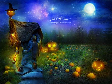 Фото Мальчик и девочка, взявшись за руки, идут по каменной дорожке к чучелу, вокруг лежат тыквы и светильники Джека, автор работы Gwendolyn