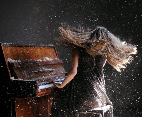 Фото девушка с распущенными волосами