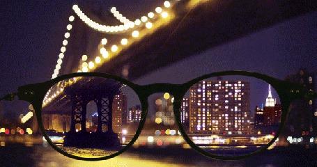 Фото Вид через очки на ночной Нью-Йорк и Манхэттен-бридж / Manhattan Bridge, США / New York, USA