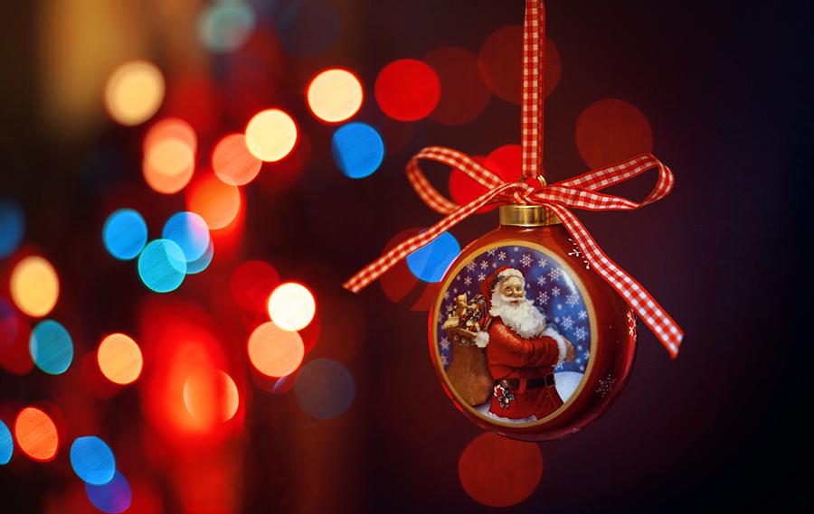 Фото Новогодняя игрушка с Дедом Морозом и бантом