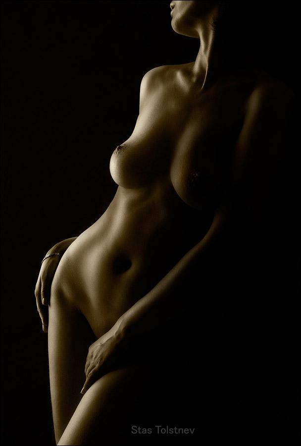Фото голая на черном фоне фото 663-234