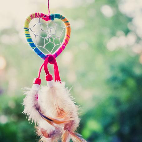 Фото Ловец снов в виде радужного сердца
