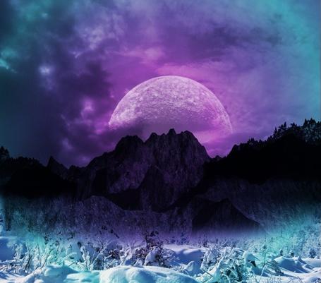 Фото Восходящая луна из-за заснеженных гор, фотоарт AshenSorrow