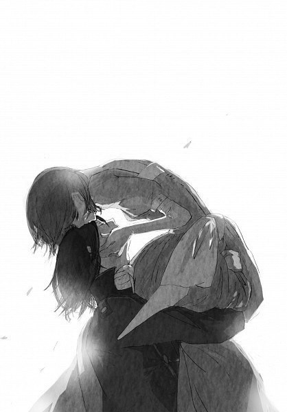 Парень держит девушку на руках зимой - 49a9