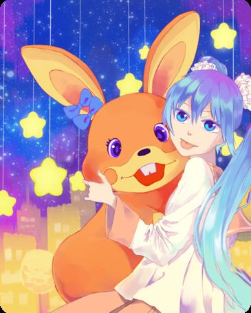 Фото Улыбающиеся Вокалоид Хатсуне Мику / Vocaloid Hatsune Miku держит в руках большого игрушечного кролика на фоне ночного города