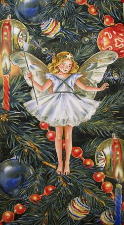 Фото Маленькая фея стоит на рождественской елке в окружении праздничной мишуры с волшебной палочкой в руках, художник Cicely Mary Barker / Сесиль Мэри Баркер
