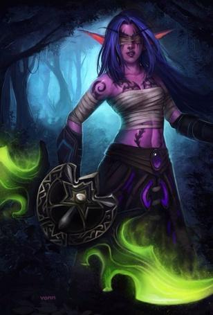Фото Ночная эльфийка / Night elf с клинками аззинота в руках и повязкой охотника на демонов на глазах в темном лесу, арт к игре World OF Warcraft
