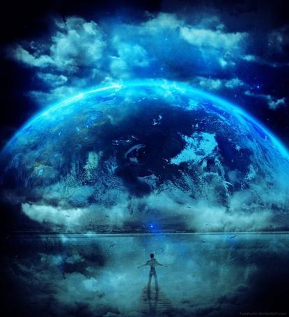 Фото Мальчик стоит на мосту и смотрит на планету окруженную облаками, фотохудожник Thanakon Khaochaon