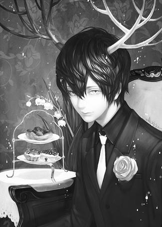 Фото Парень с оленьими рогами, в костюме