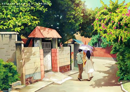 Фото Парень и девушка идут под зонтиком по улице в окружении зеленых деревьев, художник VIVID雨希