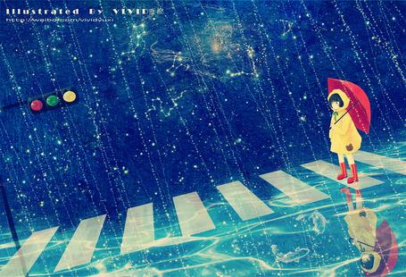 Фото Девочка в дождевике и с зонтиком стоит на пешеходном переходе где плавают рыбы под дождем, в небе видны созвездия, художник VIVID雨希