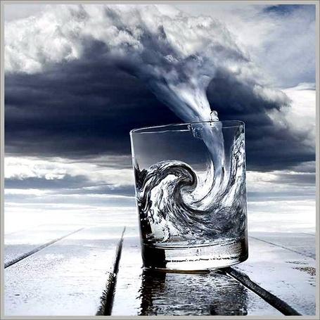 Фото Буря в стакане воды (© Anatol), добавлено: 29.03.2012 15:52