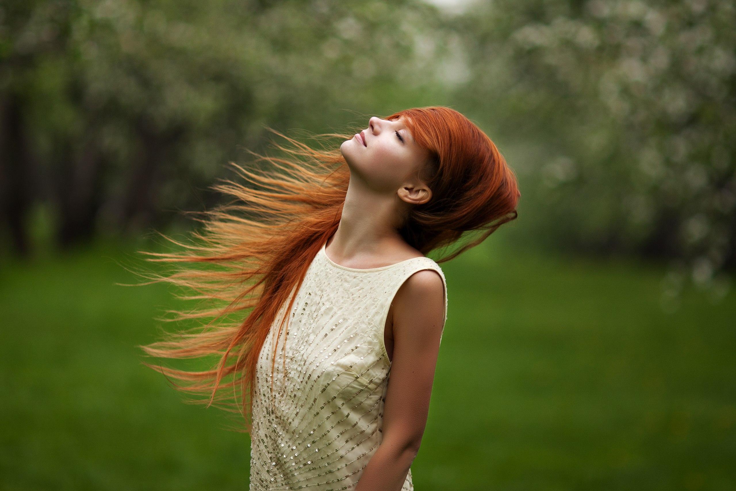 Фотографии девушек с рыжими волосами со спины, Рыжие девушки со спины (36 фото) 10 фотография