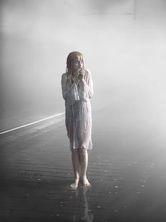 Фото Девушка в мокрой рубашке от дождя стоит на дороге, аrt by J-u-d-a-s