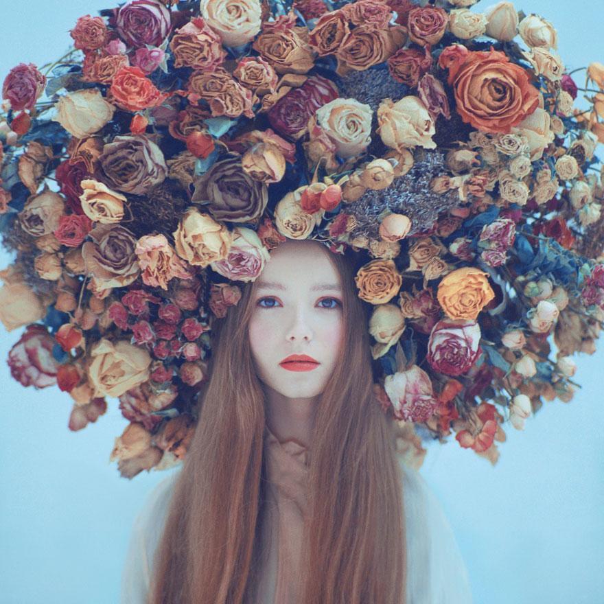 Фото девушек с цветком в голове