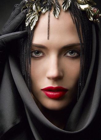 Фото Портрет девушки с украшением на голове от фотографа Михаила Смирнова