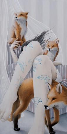 Фото Девушка сидит в кресле в окружении лис, иллюстратор Joey Remmers