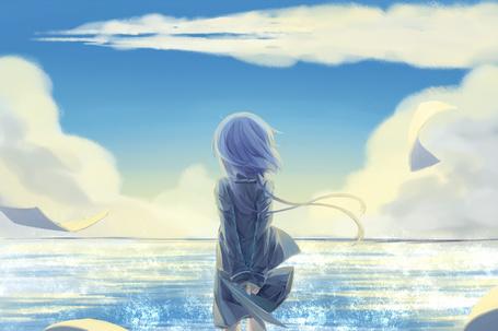 Фото Вокалоид Аоки Лапис / Vocaloid Aoki Lapis смотрит на море
