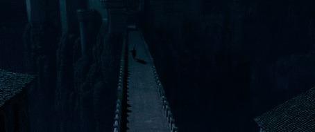 Фото Человек скачет на лошади возле замка фрагмент из фильма Хроники Нарнии: Принц Каспиан / The Chronicles of Narnia: Prince Caspian