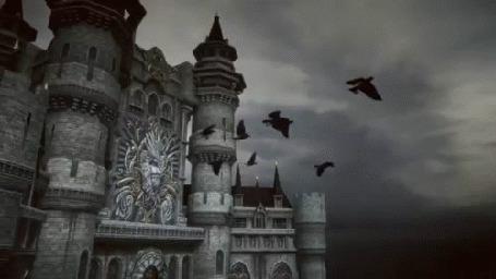 Фото Вороны летят возле замка, тизер к компьютерной игре Icarus Online