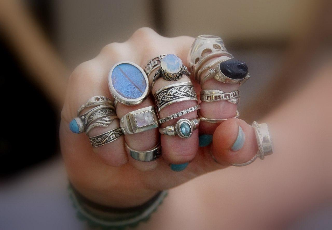 К чему снятся кольца на своих руках