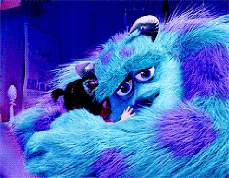 Фото Джеймс Пи Салливан / James P. Sullivan обнимает девочку Бу из мультфильма Корпорация монстров / Monsters