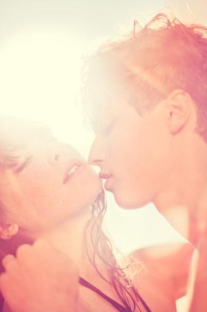 Фото Парень собирается поцеловать девушку, фотограф Kalle Gustafsson