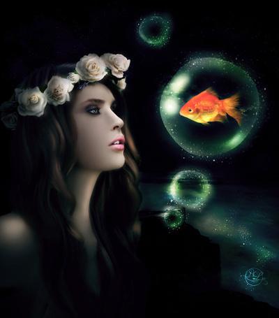 Фото Девушка в венке из роз смотрит на шар с золотой рыбкой, ву ParadisiacPicture
