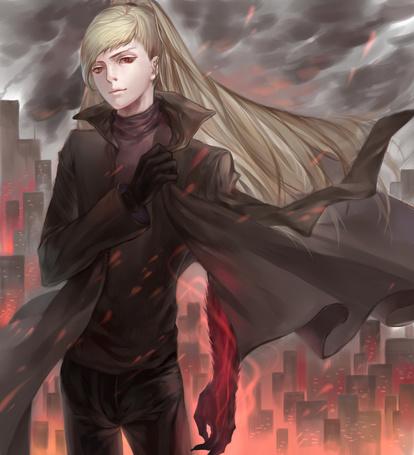 Фото Светловолосый демон на фоне города